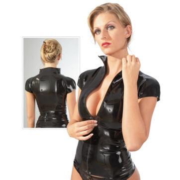 Latex skjorte med korte ærmer og lynlås, fremhæver virkelig figuren. Den har et meget tætsiddende snit, men et ultra moderne look.