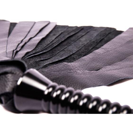 Læderflogger med tunge snerter